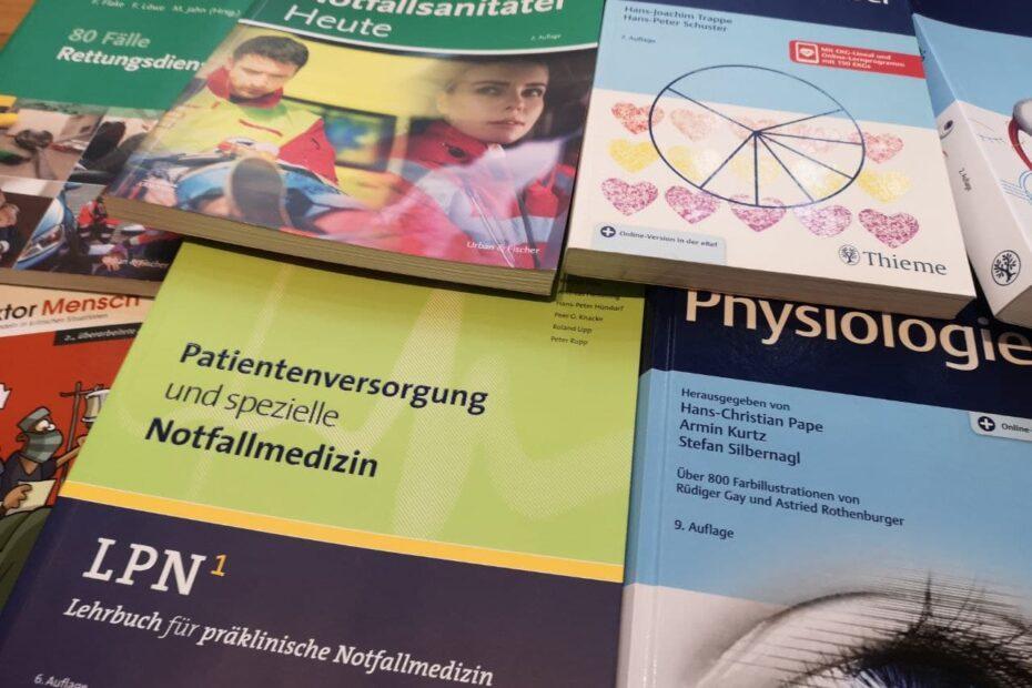 Bücher für die 3-jährige Notfallsanitäter Ausbildung